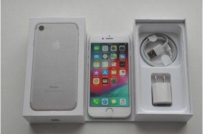 Apple iPhone 7 32 gb Silver   Neverlock