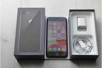 Apple iPhone  8  64Gb  Black Neverlock